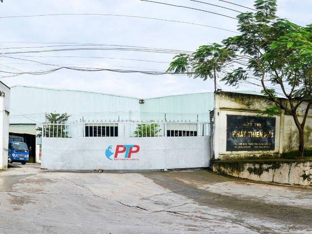 Hình 10 : cổng ra vào nhà máy phân bón Phát Thiên Phú - Đồng Nai, Tôn Nhựa ASA/PVC màu Xanh Ngọc