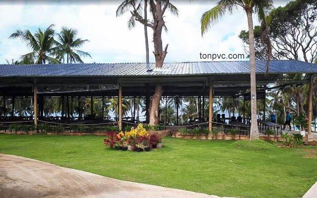 Hình 03 : mặt bên hông Công viên sinh thái SunWorld Hòn Thơm - Kiên Giang, Tôn Nhựa ASA/PVC màu Xám Đen