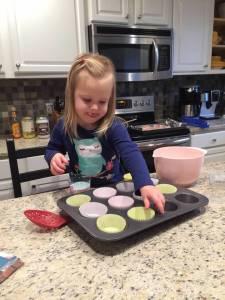 healthy kids help in the kitchen