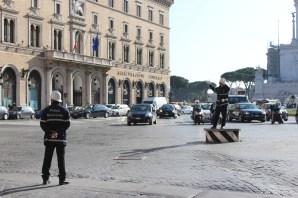 Toreando al tráfico romano