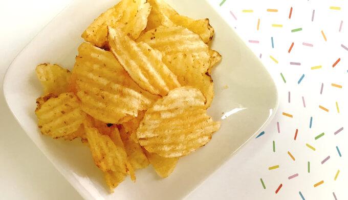 ケトルチップス(皿に盛った)