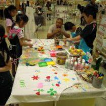 子ども用テーブルや ちゃぶ台でも開催できます。