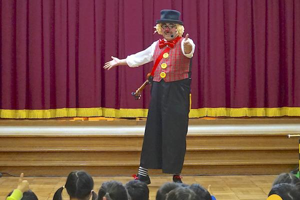 福地北部保育園のお楽しみ会にピエロの楽しいコメディショー♪愛知県西尾市