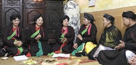 Văn hóa và Phát triển Về Duệ Đông nghe câu quan họ cổ