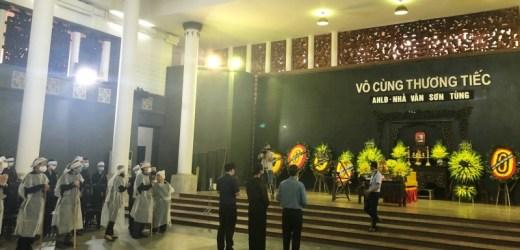 Các nhà văn Việt Nam thương tiếc tiễn biệt nhà văn Sơn Tùng
