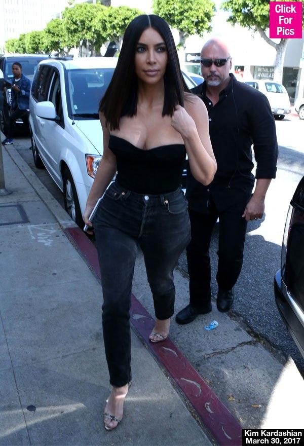 kim-kardashian-weird-talent-smelling-rotting-teeth-lead.jpg
