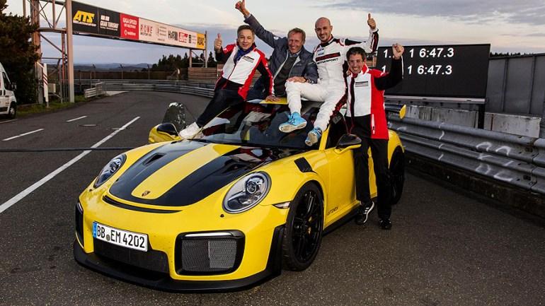 Porsche-911-GT2RS-6