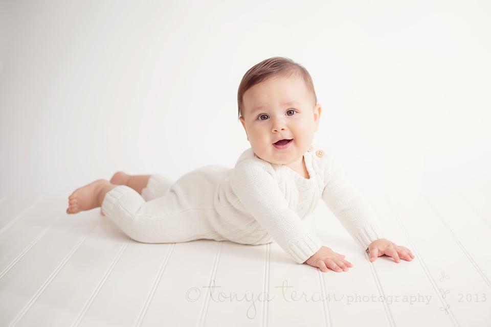 6 month old baby photography | Tonya Teran Photography