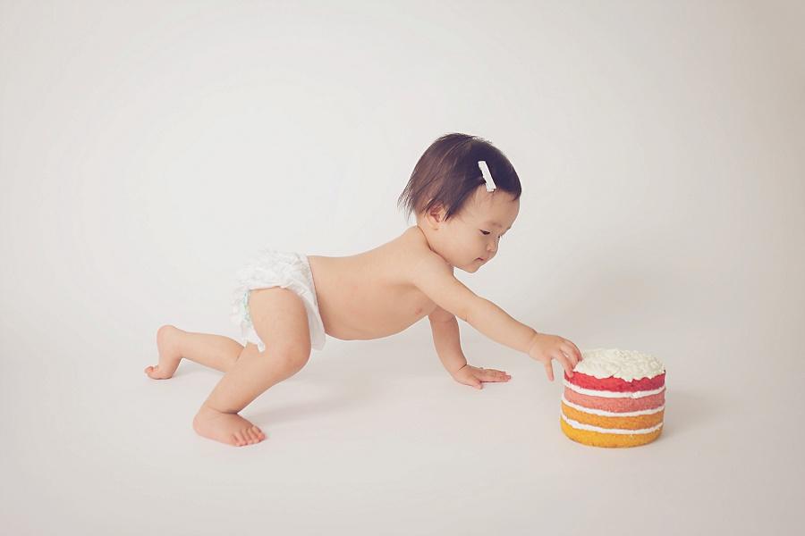 Studio 1st birthday cake smash | Tonya Teran Photography - Rockville, MD newborn baby and family photographer
