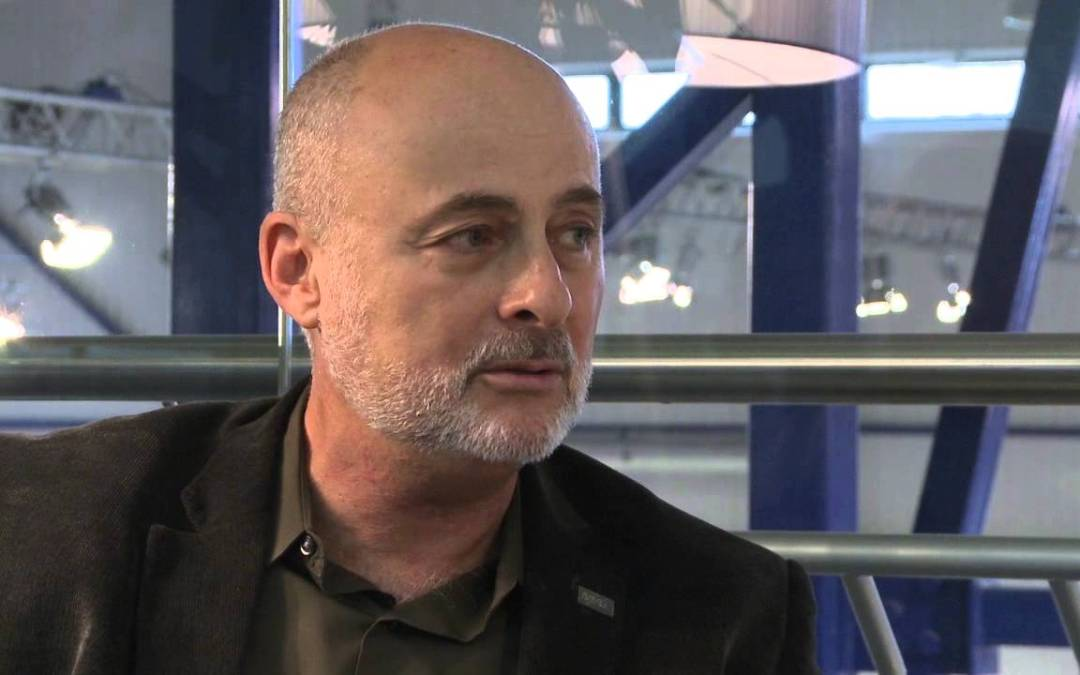 David Brin on openness, privacy and surveillance – YouTube
