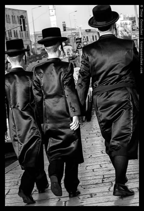 Orthodox Jews in the streets of old Jerusalem - 2013 © Tony Corocher | All Rights Reserved