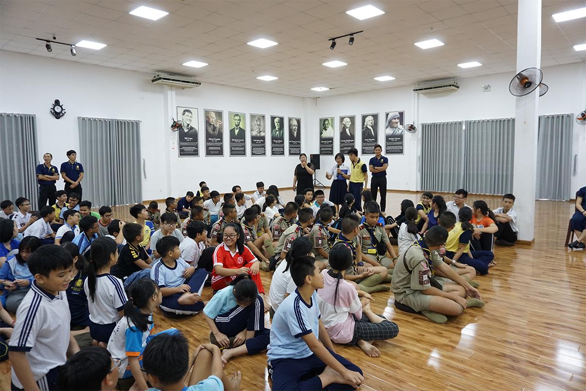 Boy-scouts-Camp-in-Vietnam-07