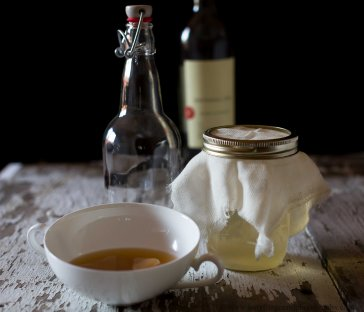 wine vinegar (1 of 2)