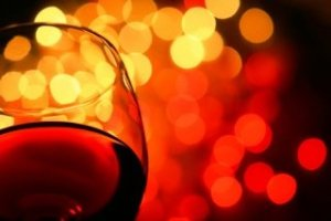 Wine glitter shot 300x200 - Trust Your Tongue – The Only Wine and Spirit Critic That Matters Is You