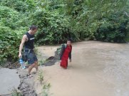 Rockclimbing-wading