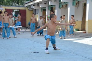 Shaolin-Kids-training-in-blue