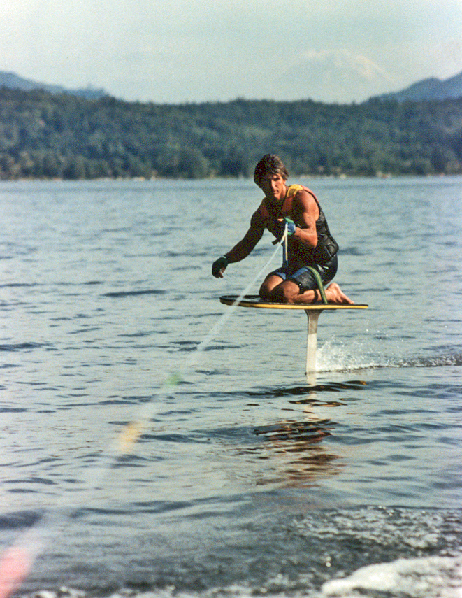 86_TonyKlarich.com_Water_Skiing_Hydrofoil_KNEEBOARD_Mike_Murphy_Creative_Commons_Free_2HR