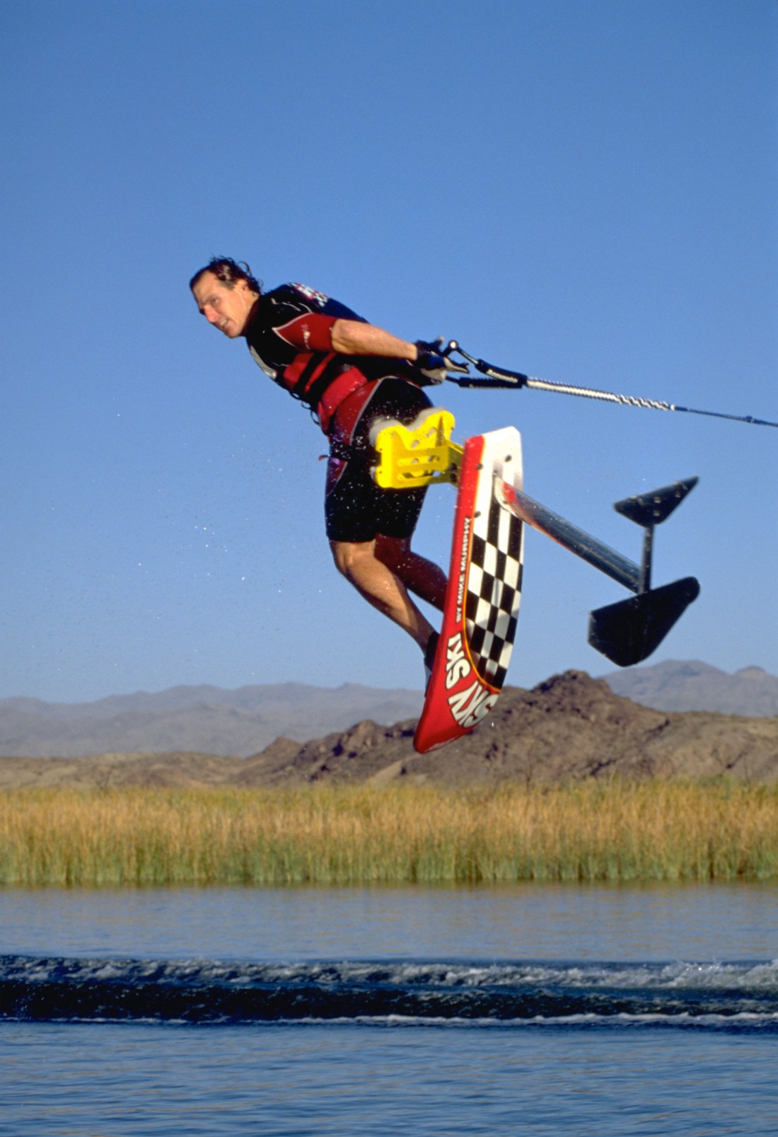 99_TonyKlarich.com_Water_Skiing_Hydrofoil_HELI_Creative_Commons_Free_3MR