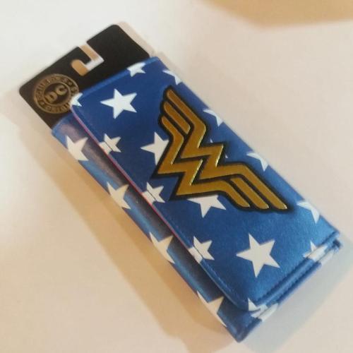 Billetera Larga Wonder Woman PT Wonder Woman DC Comics En Cuerina (Colores Clásicos)