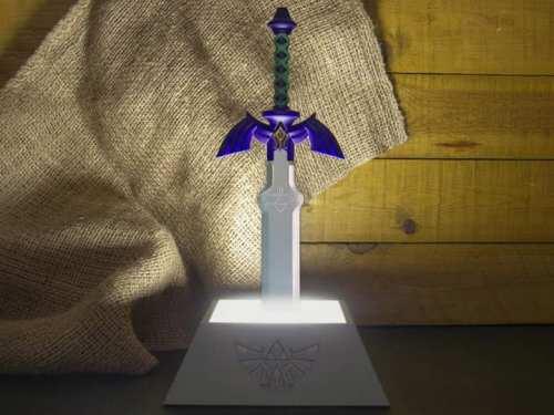 Lámpara espada Zelda Videojuegos (Entrega de 4 a 5 semanas una vez realizado el pago)