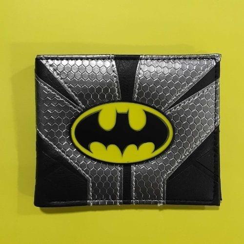 Billetera Batman PT The Batman Chronicles DC Comics Cuerina Gris y Negro Logo 98 Metálico