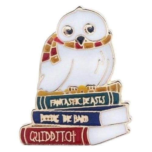 Pin Hedwig PT Harry Potter Fantasía con Libros
