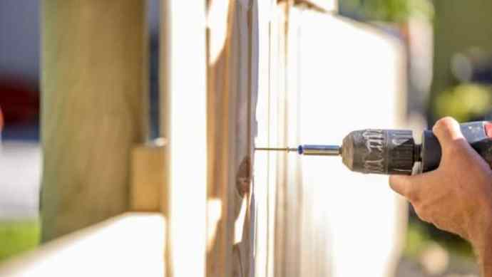 Best cordless drill for fencing