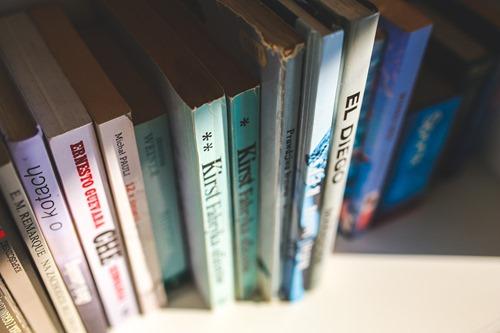 shelf-791155_1280