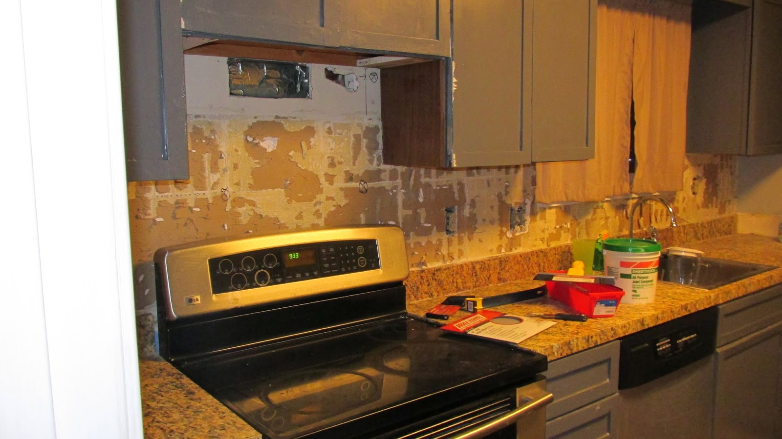- How To Repair Drywall After Removing Tile: Prepare For Tiling