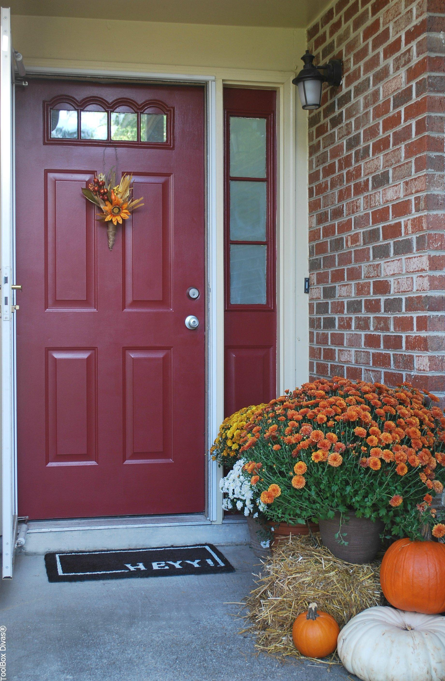 6 Affordable Ways to Create a Fall Inspired Front Door