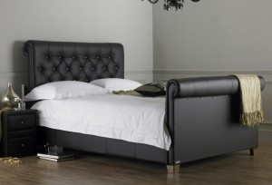 hyder-lyon-button-leather-bed