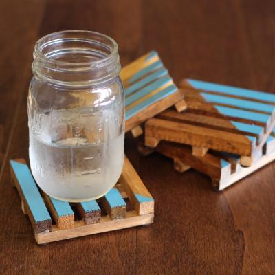 Easy DIY Pallet Coasters