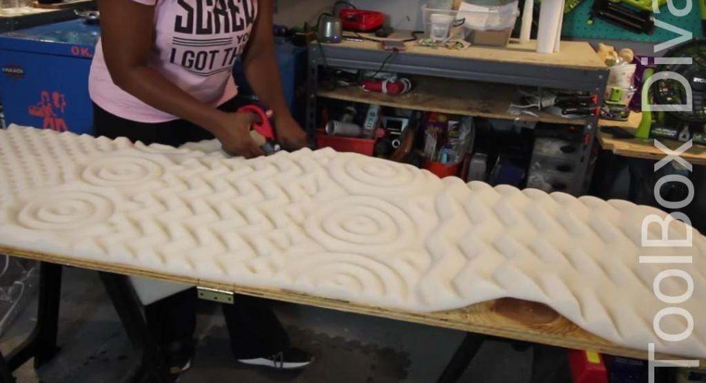How to Build A DIY Tufted Bench - Toolbox Divas 32