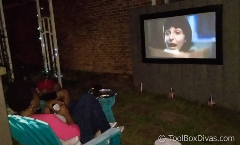 Diy Outdoor Movie Theater And Projection Screen Toolbox Divas