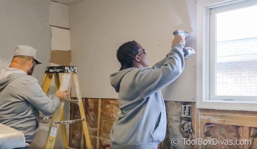 Kitchen Renovation From Demo to Install- Essential Tools @ToolboxDivas .jpg (9 of 10)