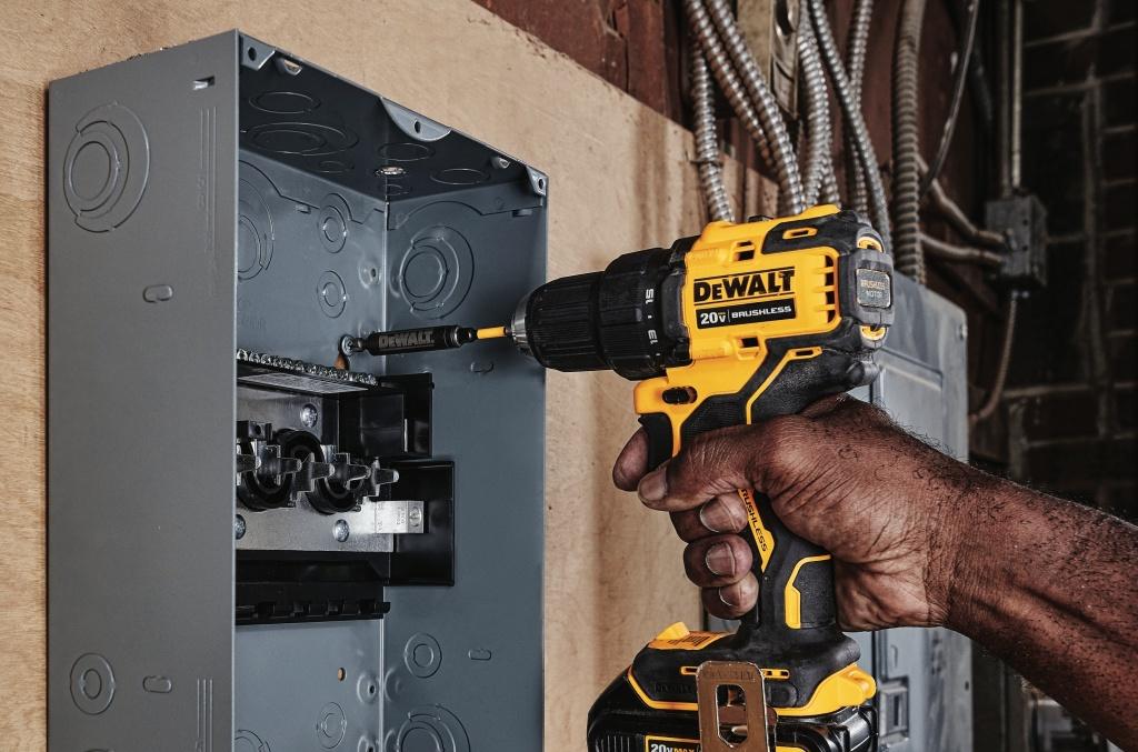New DeWalt ATOMIC Cordless Tools - Tool Girl's Garage