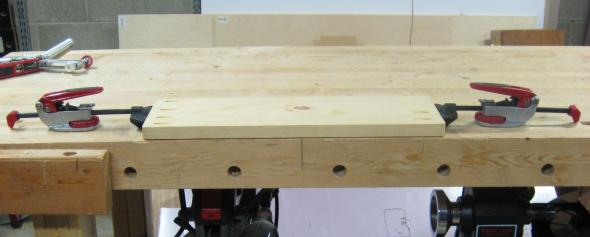 Using two Push Peg Clamps on a workbench
