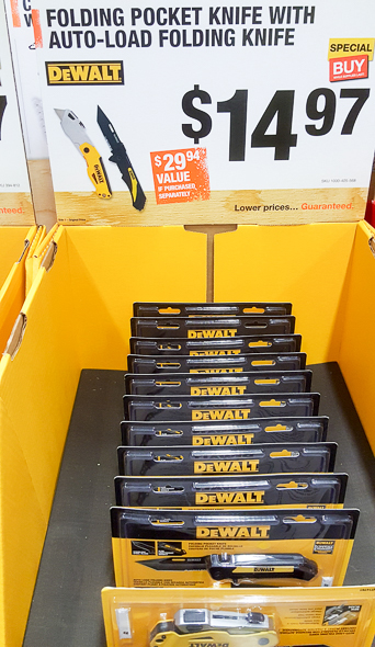home-depot-black-friday-2016-tool-deals-dewalt-tanto-folding-knife-and-auto-load-utility-knife-combo