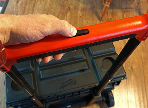 Milwaukee 24 inch Rolling bag handle button