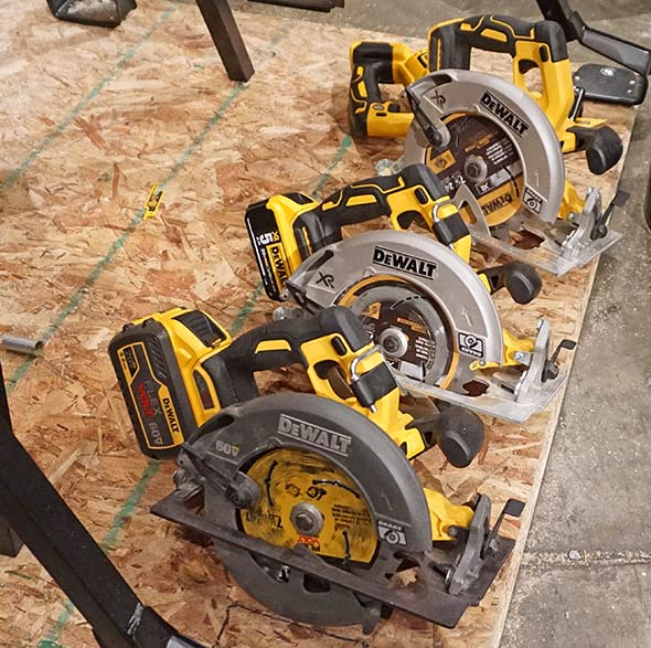 Dewalt 20V and 60V circular saws now with rafter hooks