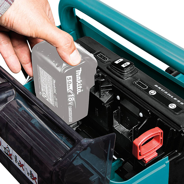 Makita XUC01X2 Brushless Power-Assisted Dolly Battery Compartment