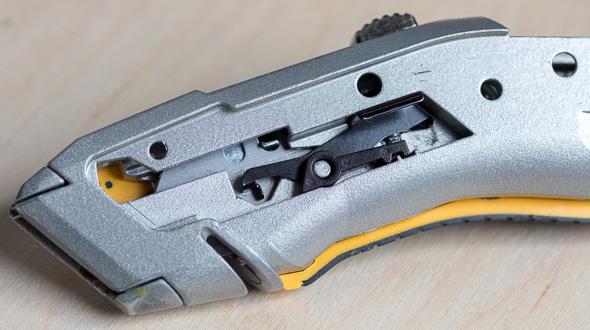 Dewalt Utility Knife Blade Change Internals Closeup