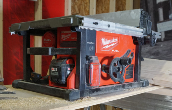 Side view of Milwaukee M18 table saw showing single battery