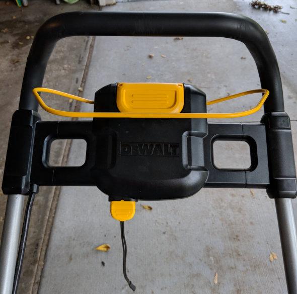 Dewalt 2x20V mower safety key