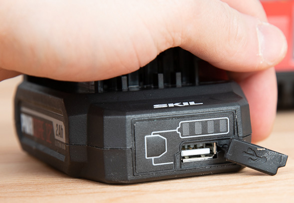 Skil PWRCore 12 Battery with USB Charging Port