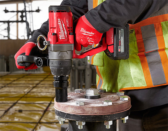 Milwaukee M18 Fuel 1-inch One-Key Impact Wrench Fastening Application