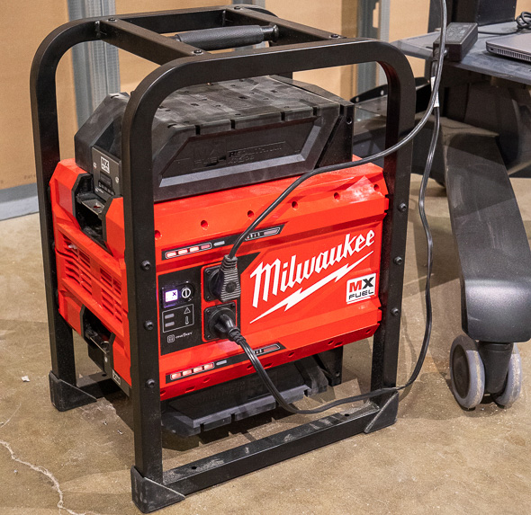 Milwaukee MX Fuel Cordless Power Supply