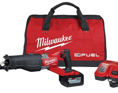 Milwaukee M18 Super Sawzall Reciprocating Saw Kit