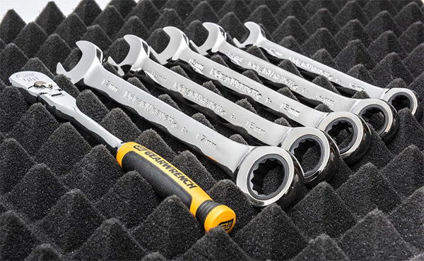 Gearwrench Trap Mat Drawer Liners Tool Organization with Wrenches