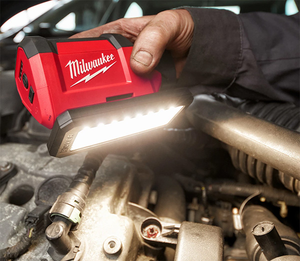 Milwaukee M12 Rover LED Flood Light 2367-20 Handheld Use